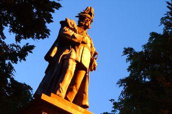 City-Tour - Denkmäler und Skulpturen im öffentlichen Raum