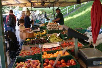 Wochenmarkt in Carolinensiel