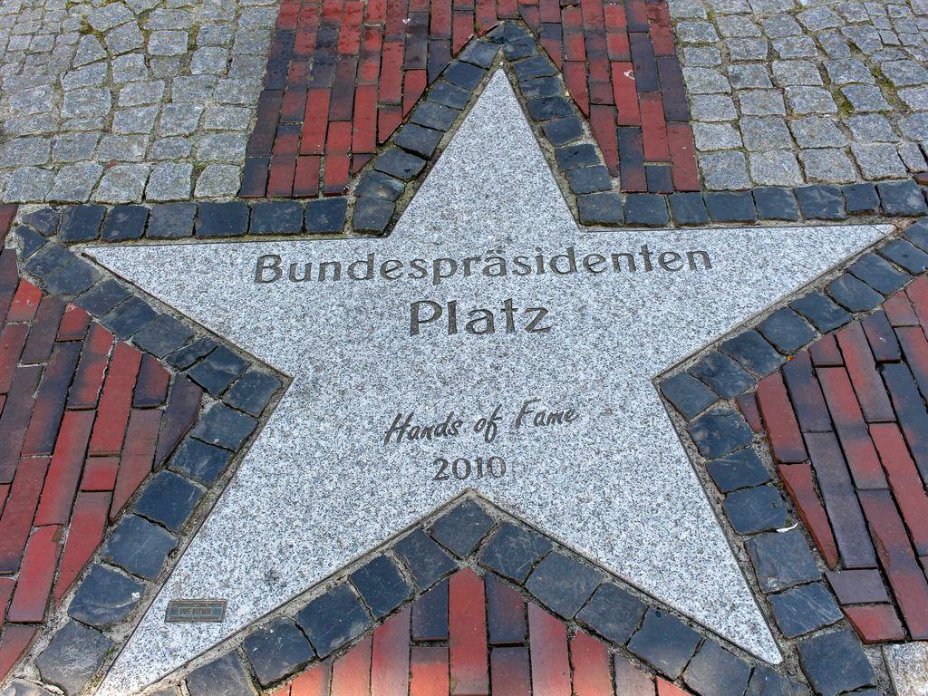 Bundespräsidentenplatz